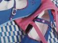 imagen Zapatillas decoradas con bolso