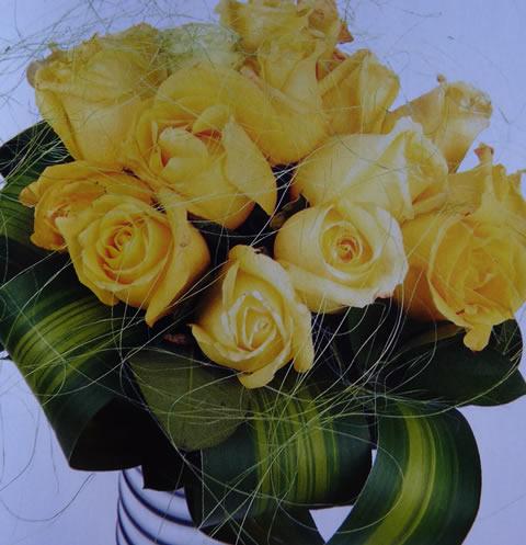 Arreglo floral para bautismo o comunión 4