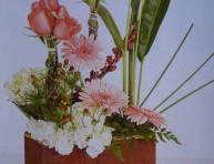 imagen Arreglo floral juvenil y fresco