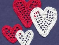 imagen Corazones para decorar a crochet