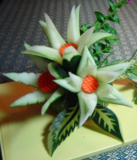 El arte del tallado de frutas y verduras bricolaje for Decoracion con verduras