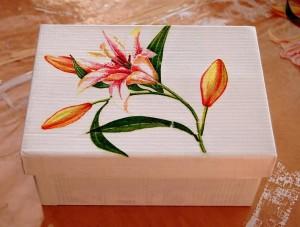 Caja de zapatos decorada con decoupage 1