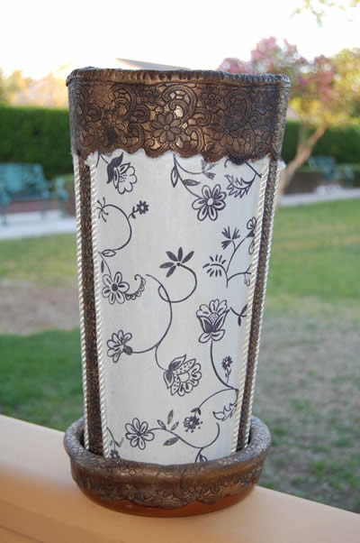 Parag ero con tejas bricolaje gu a de manualidades for Manualidades con puertas viejas