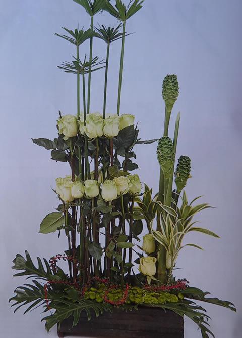 Arreglo floral en verde-1f