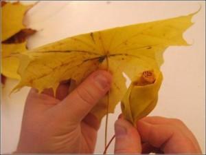 Ramo de rosas realizadas con hojas secas-08