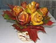 imagen Ramo de rosas realizadas con hojas secas