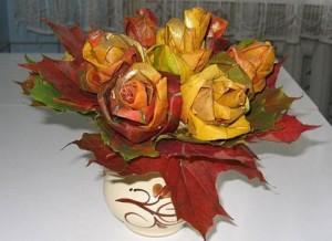 Ramo de rosas realizadas con hojas secas-15
