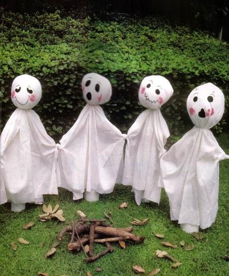 tips para halloween fantasmitas para decorar el jardin