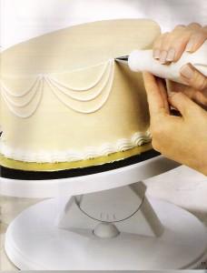 Aprende a hacer detalles, bordes y guirnaldas en tortas2