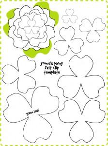 Diadema con flor de fieltro movible