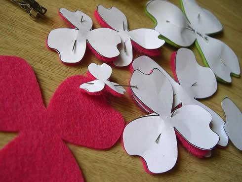 Diadema con flor de fieltro movible - Guía de MANUALIDADES