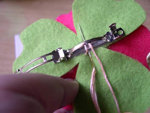 Diadema con flor de fieltro movible9