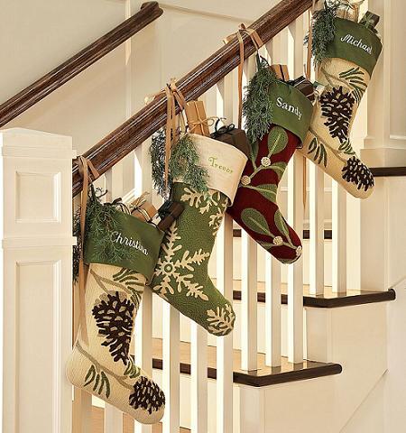 Algunas ideas para decorar las escaleras en navidad5