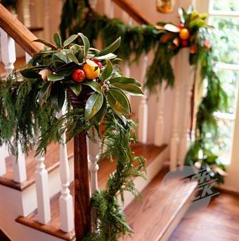 Algunas ideas para decorar las escaleras en navidad6