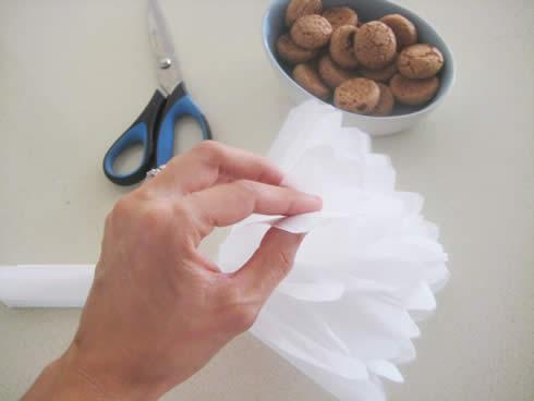 Corona para puerta con papel seda6