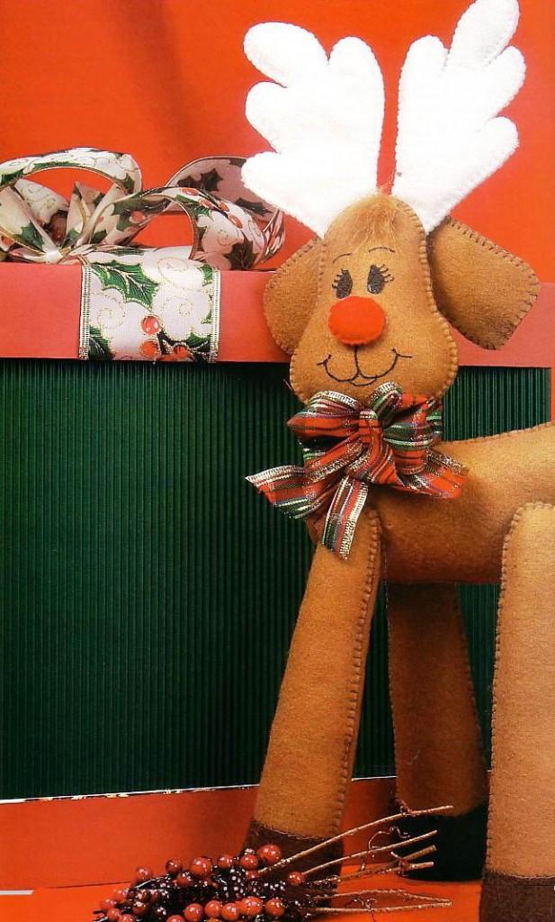Muñecos en fieltro reno navideño