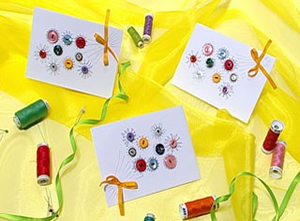 Invitaciones decoradas con botones