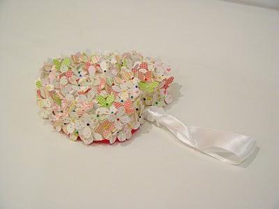 Manualidades de San Valentín corazon de fieltro con flores6