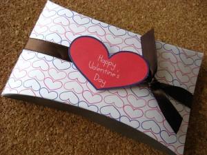 San Valentín cajas de regalo y tarjetas para imprimir