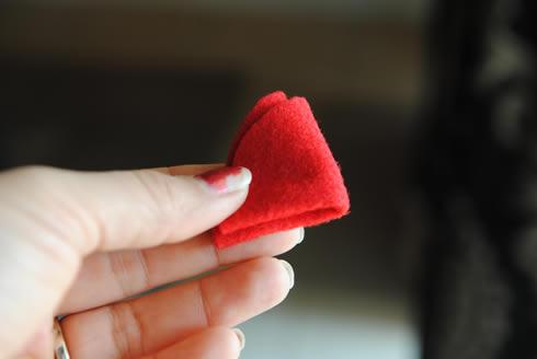 Manualidades del Dia de los Enamorados Corazón de fieltro muy romántico6