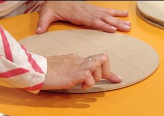 Paso 4 de bandeja giratoria con mosaico para tu hogar