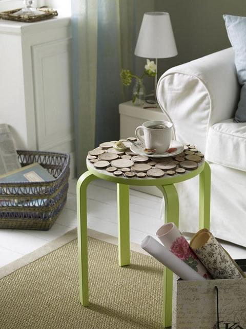 Banqueta reciclada para la sala gu a de manualidades for Como hacer una banqueta tapizada