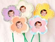 imagen Flores de papel con fotografías de tus pequeños