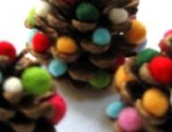 imagen Mini árbol de navidad con piñas