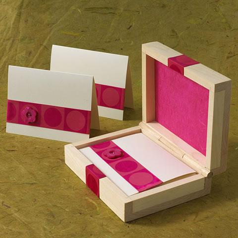 Manualidades ocasiones especiales gu a de manualidades - Manualidades con cajas de madera ...
