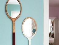 imagen Raquetas transformadas en espejos decorativos