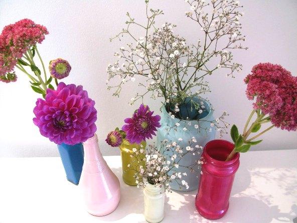 envase transformado en florero 4