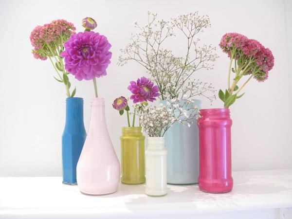 envase transformado en florero 1