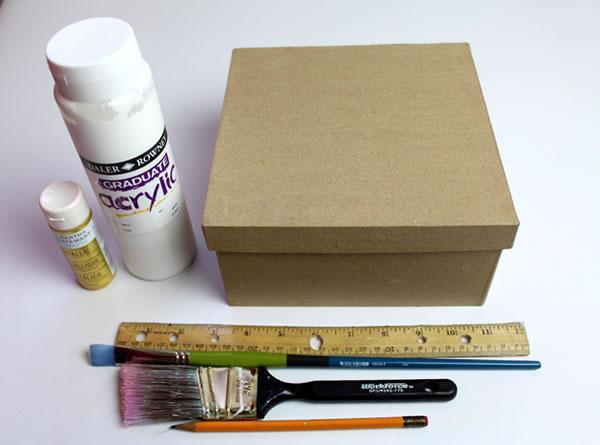 C mo decorar una caja de cart n gu a de manualidades - Cajas grandes de carton decoradas ...