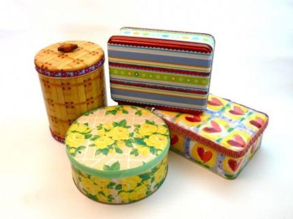 Decora cajas met licas con decoupage gu a de manualidades - Manualidades pintar caja metal ...