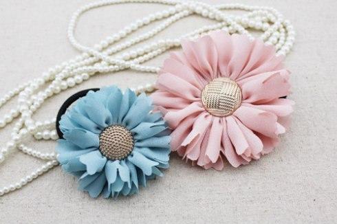 Flores de tela y botones - Guía de MANUALIDADES