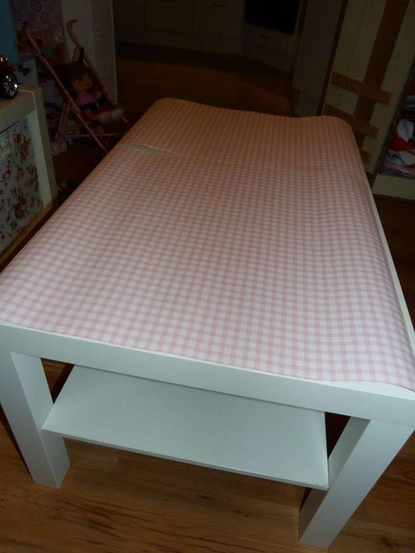 Decoupage sobre una mesa de centro con papel pintado - Cola para papel pintado ...