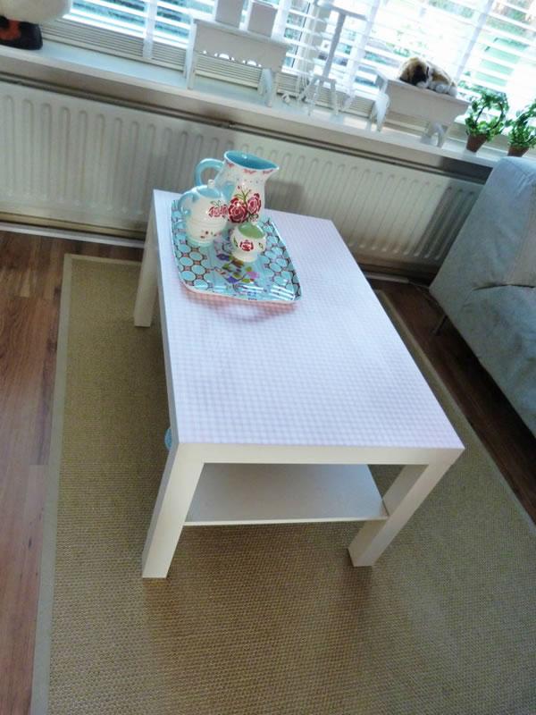 Decoupage sobre una mesa de centro 3