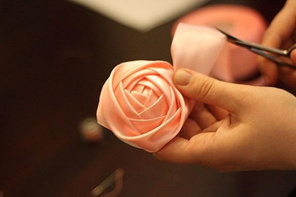 Topiario con rosas de tela 8