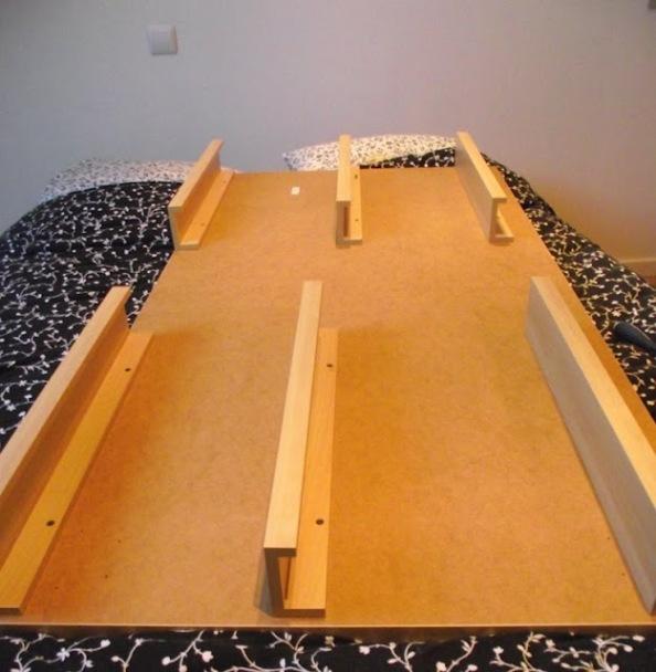 Cabecero de cama con complementos gu a de manualidades - Cabecero cama casero ...