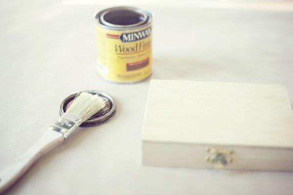 Caja de madera para las alianzas de boda 1