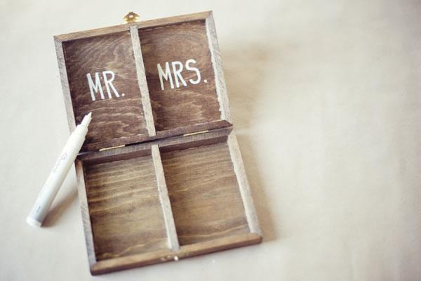 Caja de madera para las alianzas de boda 3