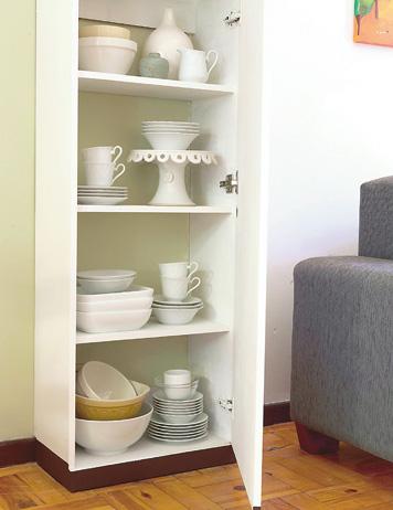 Construye un armario columna gu a de manualidades - Muebles para vajilla ...