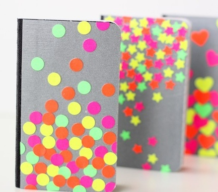 Libreta decorada con colores neon 4
