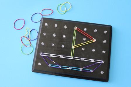 Tablero para hacer formas geométricas 1