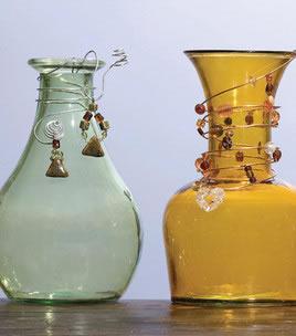 Botellas recicladas y decoradas 1