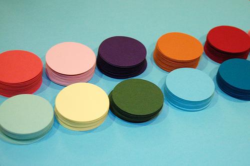 Haz un cuadro con círculos de color 2