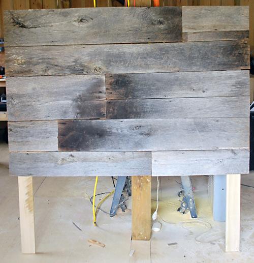 cabecero con madera recuperada 3 - Como Hacer Un Cabecero De Madera