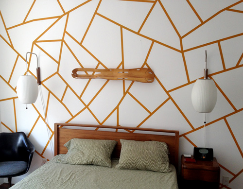 pared con un diseño geométrico 1