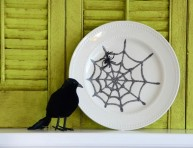 imagen Platos decorativos con tela de araña