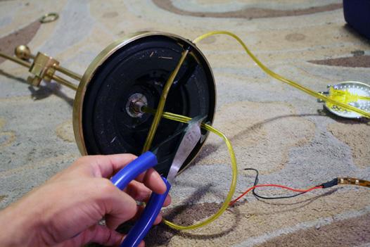 Una l mpara de mesa sin cables gu a de manualidades for Lamparas sin cables